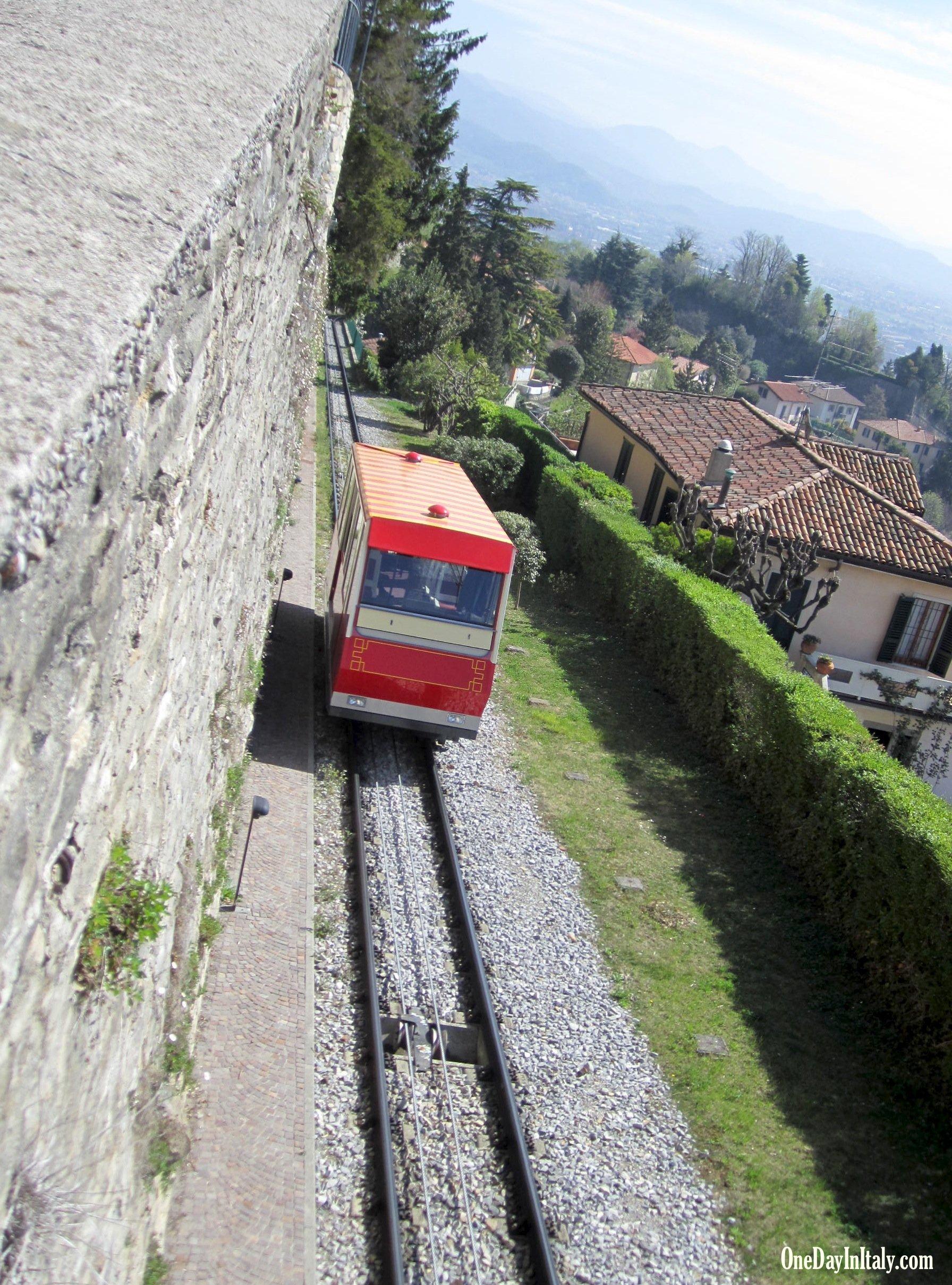 Funiculare from Bergamo's Città Alta to San Vigilio