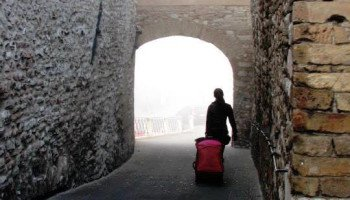 luggage walking in assisi